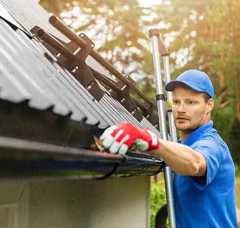 Gutter cleaning company in Edmonton AB